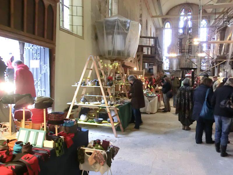 Kunst- und Handwerkermarkt in der Oberkirche 2012 trotz Baustelle © Ruth Zein