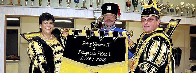 Der Karnevalsverein Narrhalle stellt in diesem Jahr das Prinzenpaar. Zur Proklamation wurden Petra I. und Thomas IV. gekrönt. Fotos: Marco Schmidt