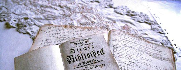 Momentan ist die Bibliothek in der Arnstädter Oberkirche ausgelagert. Sie soll umfangreich restauriert werden. Foto: Hans-Peter Stadermann