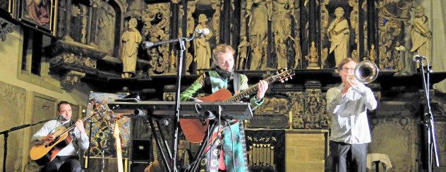 Das Duo Interloop und Trompeter Andreas Uhlmann gastierten am Samstag in der Arnstädter Oberkirche. Foto: Christoph Vogel